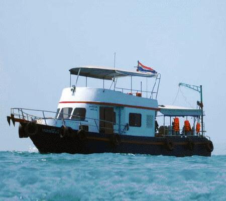 Pattaya Snorkeling boat nautigirl
